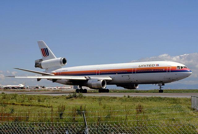 самолет DC10