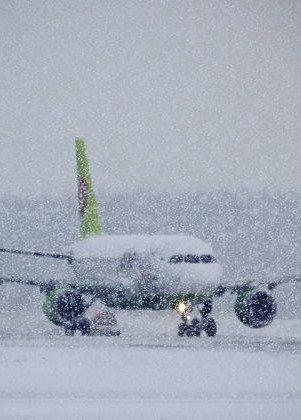 Самолет в снег